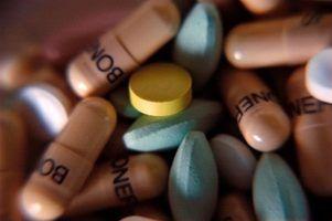 Quais são as questões éticas e legais de enfermeiros a tomar medicamentos durante o trabalho?