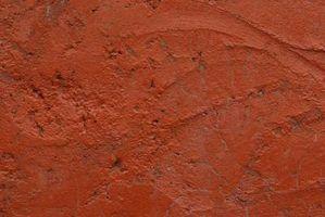 Qual é a diferença entre a argila e terracota?