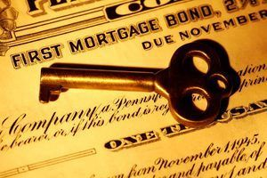 Qual é a diferença entre empréstimos a prazo e títulos?