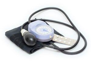 Qual é o significado do número inferior em uma leitura de pressão arterial?