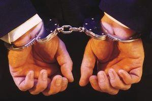 Qual é a punição para dar uma declaração falsa em uma investigação?
