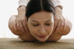 Que tipos de pedras são usados para uma massagem de pedras?