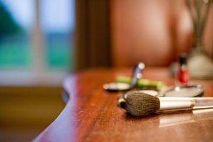 Quais são melhores: texugo ou zibelina escovas de cosméticos?