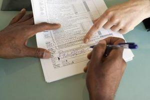 Quem assina o retorno do contribuinte falecido?